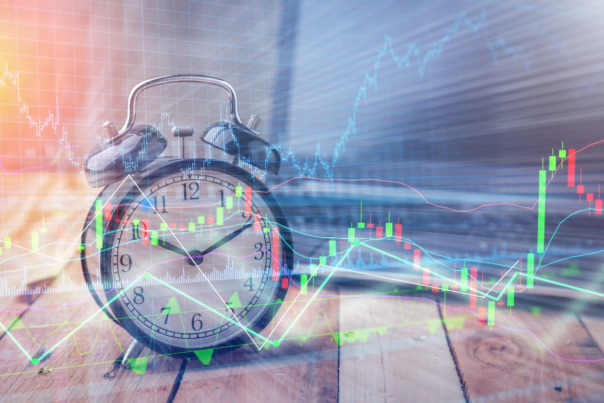 Alarm clock and trading chart to display trading times
